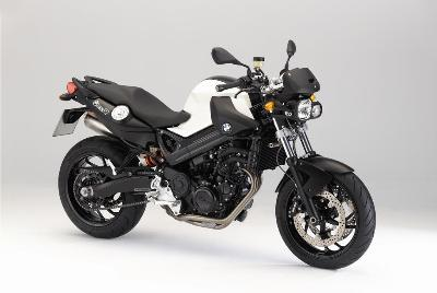 motos naked 2011