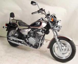 La opcion para el carné B, las custom de 125-http://fotos.motos.net/mnet_ft//CSR/Custom/161/5834G.jpg